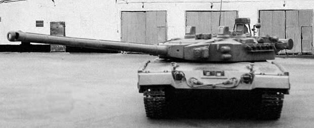 ТОПОЛЬ: невероятный советский танк, которому не суждено было увидеть свет