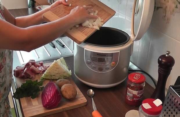 Суп в мультиварке сварится просто и быстро. / Фото: scorovarka.ru