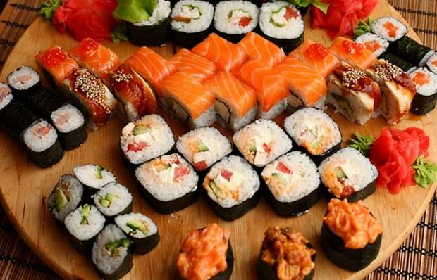 Безумное соревнование: конкурс по поеданию суши.