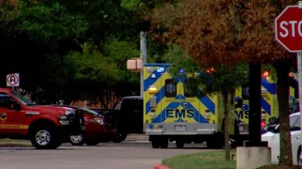 При стрельбе в Техасе погибли 3 человека, стрелок еще не обезврежен