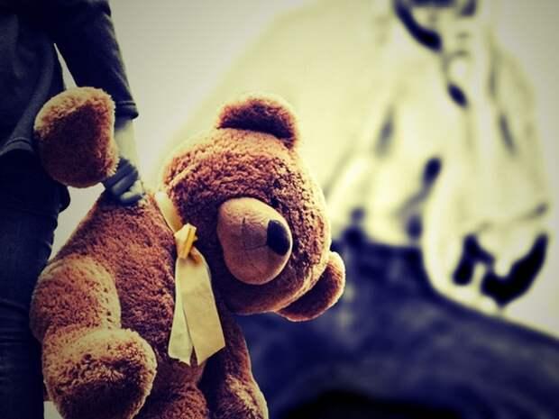В Ленобласти отца подозревают в изнасиловании своих маленьких детей