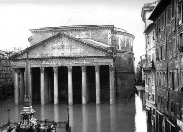 Несмотря на 2 тысячелетнюю историю и постоянные природные катаклизмы, Пантеон сохранился в прекрасном состоянии.   Фото: trip-together.ru.