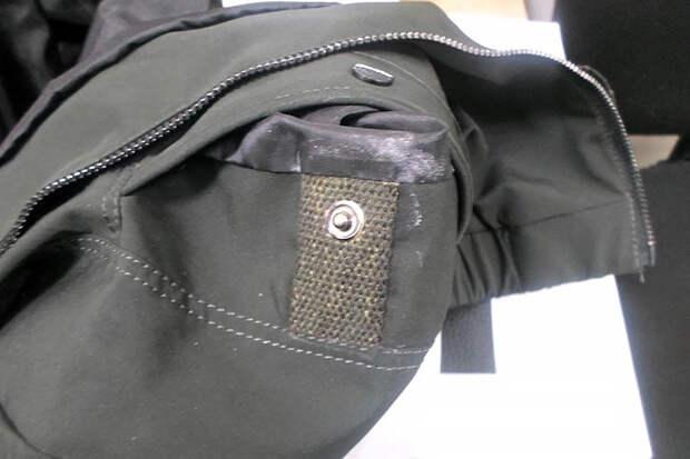 Новосибирцу пытались передать в СИЗО пропитанную наркотиками куртку