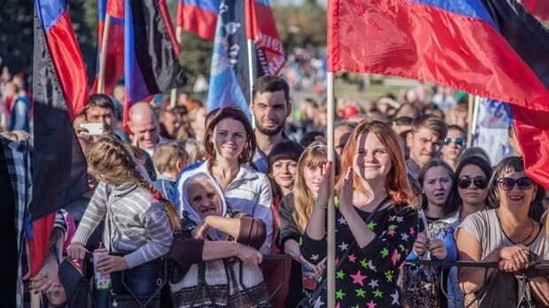 Военкор Стешин рассказал о культурной жизни Донбасса в полувоенный период