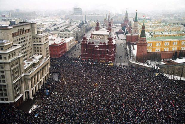 США начали экстренную подготовку Майдана-2018 в Москве