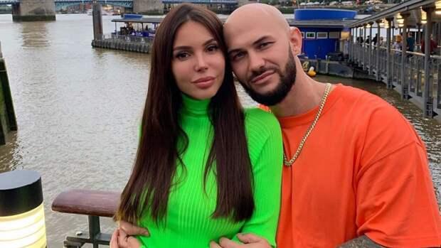 Самойлова опубликовала фото со свадьбы в объятиях недовольного Джигана