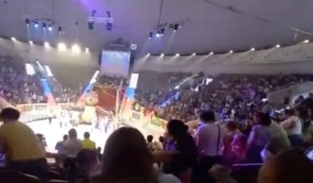Втагильском цирке зрители с детьми исполнили гимн вчесть Дня России