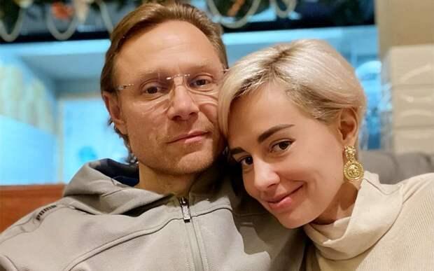 Жена Карпина: «Я тут уезжала, и Валерий приготовил курицу. Наверное, первый раз в жизни. Все были в восхищении»