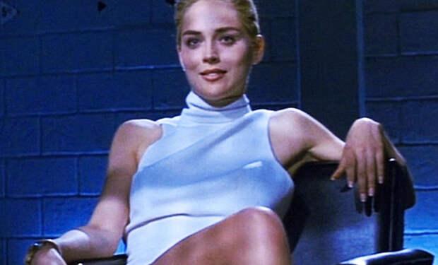 Шэрон Стоун повторила знаменитую сцену из Основного инстинкта