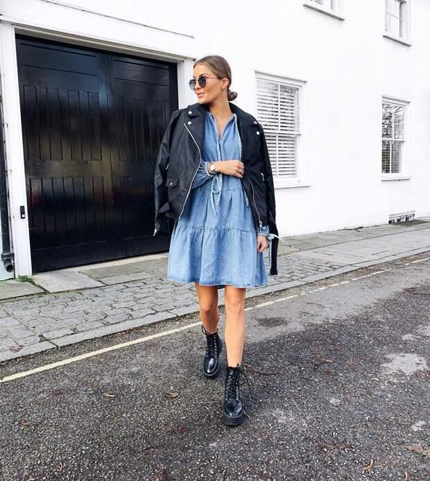15 крутых примеров с чем носить джинсовое платье стильным красоткам