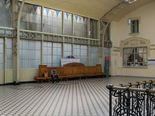 Самый красивый вокзал России после реставрации