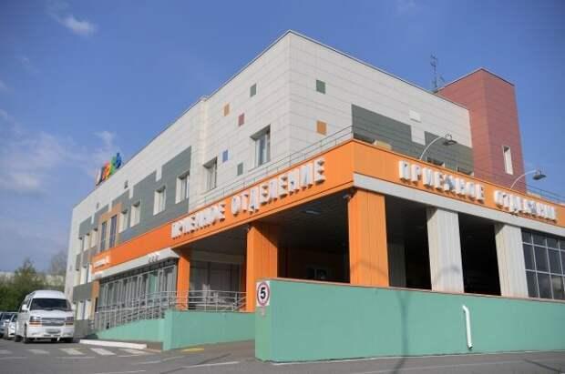 В Казани из больницы выписали еще одного раненного при стрельбе ребенка