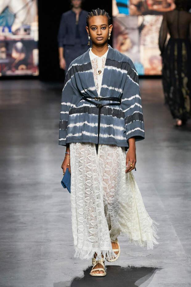 5 модных образов от Dior на весну 2021