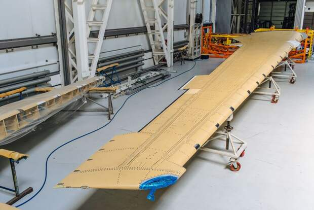 МС-21 в Иркутске начинают собирать с российским крылом