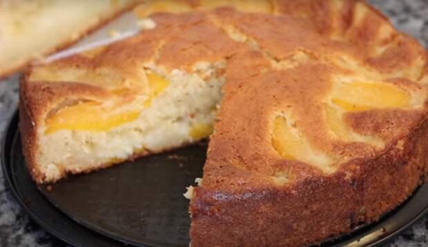 Очень вкусный пирог с персиками и кремом