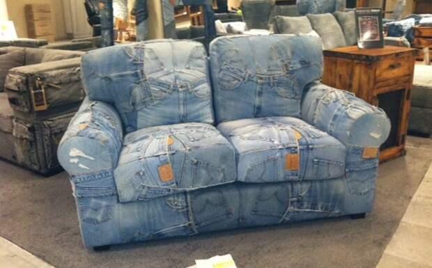 Диван из джинсов