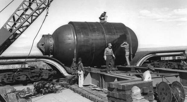 200-тонный контейнер Jumbo был заготовлен на тот случай, если придется восстанавливать плутоний, который в случае неудачного взрыва Trinity мог не вступить в цепную реакцию. Опасения были напрасны.