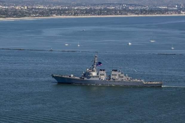 Американский сторожевой корабль зашел в порт Батуми