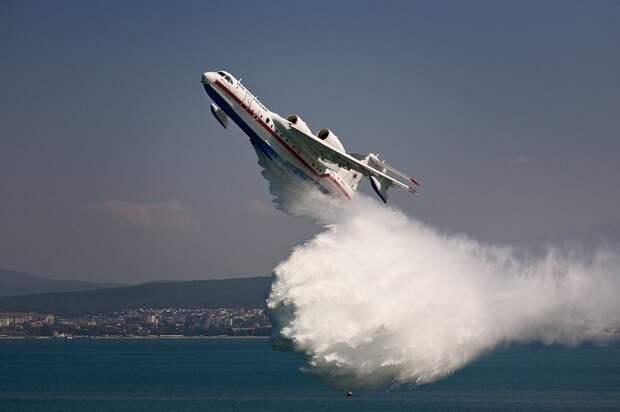 Российская техника потушила пожар на греческом острове Хиос