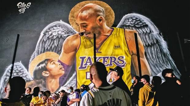 Король Джеймс посвятил победу в НБА разбившемуся на вертолете Брайанту