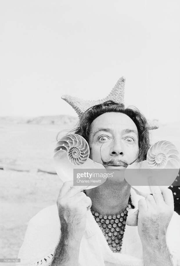 «Один день с Дали»: сюрреалистическая фотосессия на приморской вилле, 1955