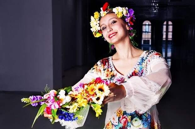 Жителям Северного предлагают освоить народные танцы всей семьей