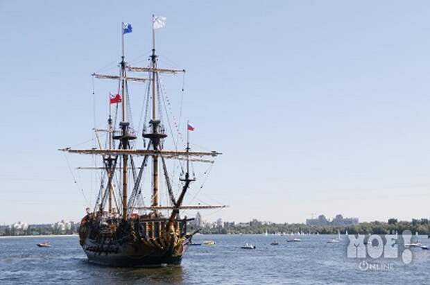 В Воронеже спустили на воду копию первого военного корабля России