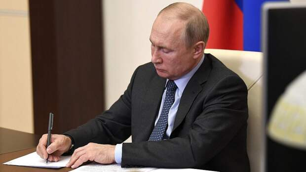 Политологи назвали статью Путина в Die Zeit знаком немецкому народу