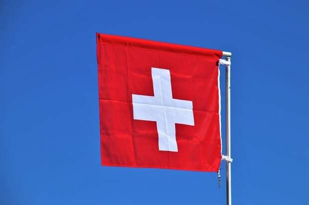 Флаг Швейцарии традиционно представлен в виде квадрата, в отличие от флагов других стран