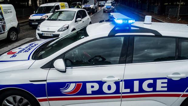 Во Франции застрелили женщину, напавшую на полицейского с ножом