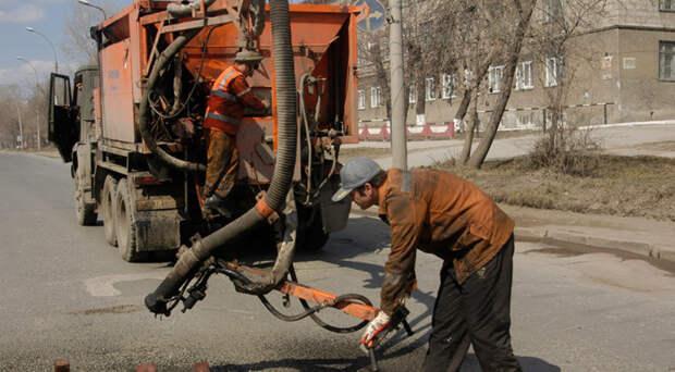 Новосибирские власти устранят недоремонт дорог с помощью областного финансирования