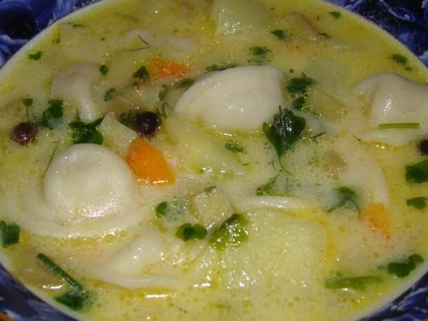 Суп с пельменями... почти экспромт...