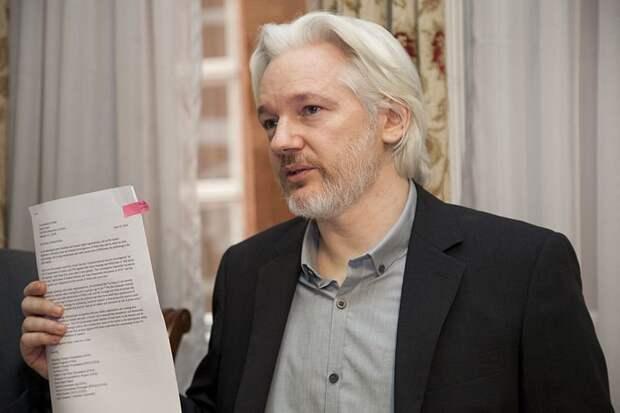 Основателя WikiLeaks Ассанжа выдворят из посольства Эквадора в Лондоне