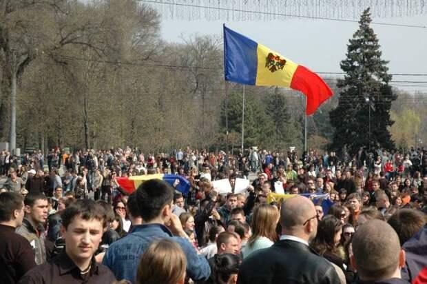 Сторонники Санду собрались на антиправительственный «майдан» в Кишинёве