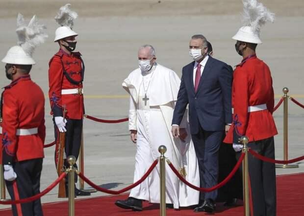 Папа Римский Франциск прибыл с апостольским визитом в Ирак