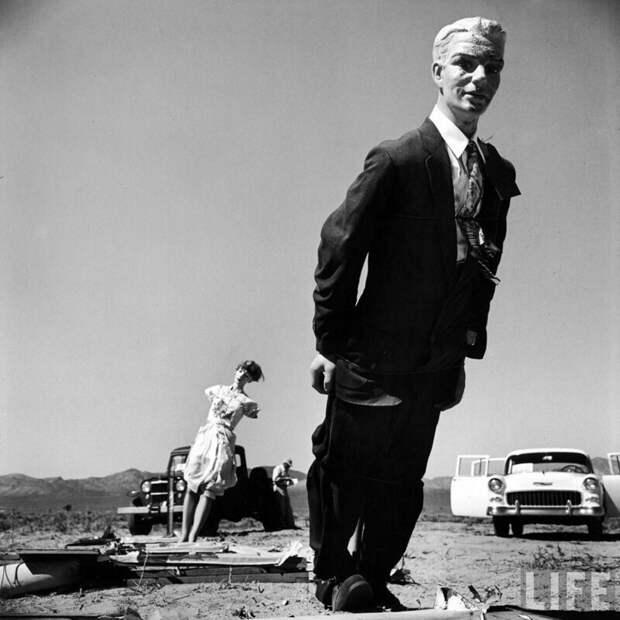 35. Манекены на атомном полигоне в Неваде; 1950-е годы