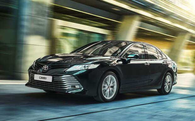 Toyota Camry: названы российские цены. На первый взгляд стало дешевле
