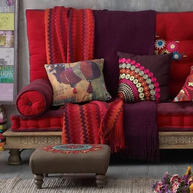 Цвет бордо в интерьере: 30 модных идей