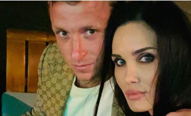 Врачи рассказали о состоянии госпитализированной жены футболиста Мамаева