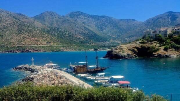 Власти Греции отменят карантин для туристов с 14 мая