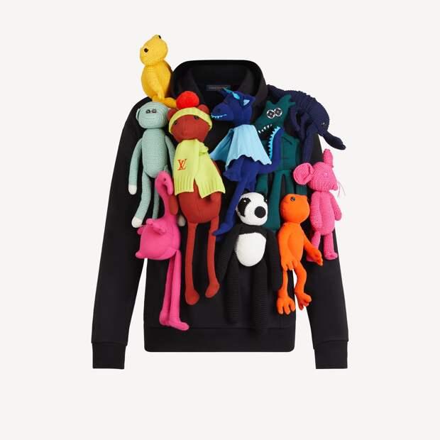 Пользователей Сети рассмешил нелепый свитер от Louis Vuitton