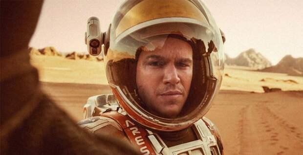 Во власти черной дыры: 8 лучших фильмов про космос