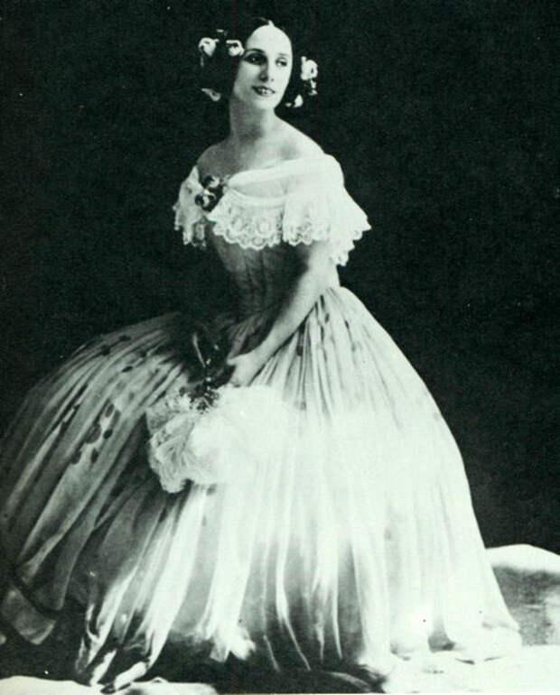 1915_pavlova_spectre_de_la_rose.jpg