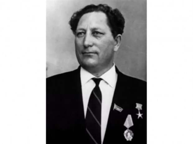 Николай Евтушенко отмечает столетний юбилей