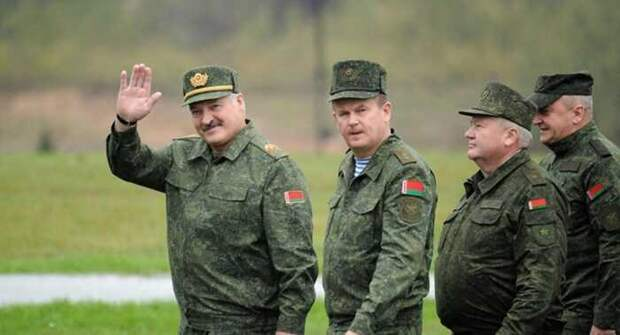 «БН»: Москва возвращается к теме создания военной базы в Белоруссии