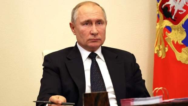Российский президент оценил уровень зарплаты Героя труда