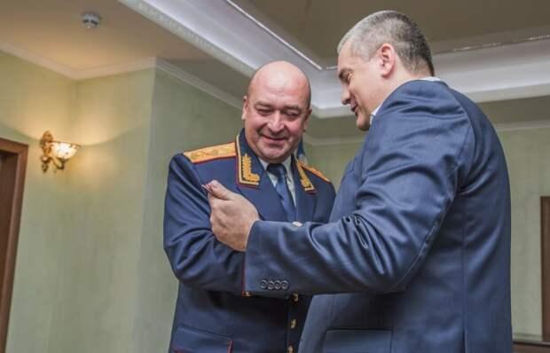 Силовики провели обыски у членов группы «Доска позора чиновников Крыма»