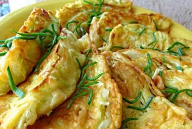 Капустные конвертики с сыром. Чудесная закуска для голодных домочадцев