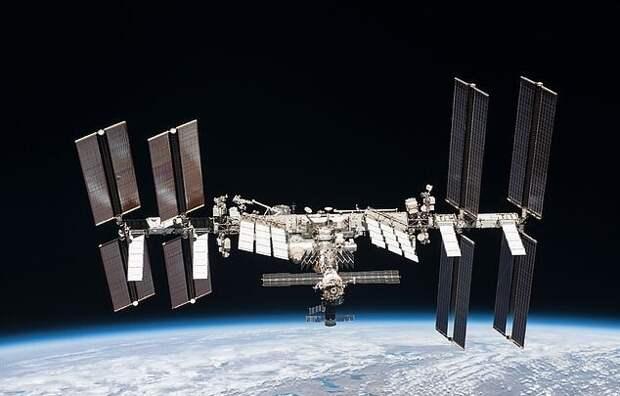 Россия начала космическую киногонку