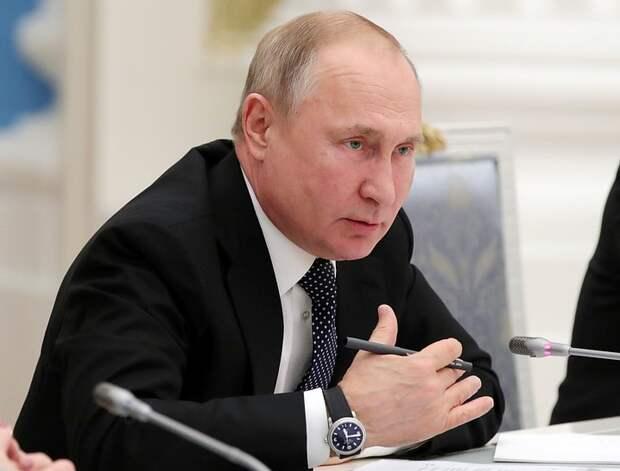 Путин поручил создать авиакомпании для перевозок по Дальнему Востоку